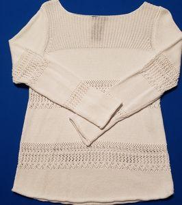 White boat neck sweater